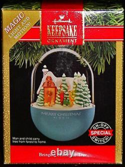 Rare! Hallmark Animated Store Display 1991 Bringing Home The Tree + Ornaments